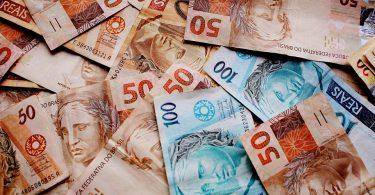Nove entre dez brasileiros atribuem a Deus sucesso financeiro