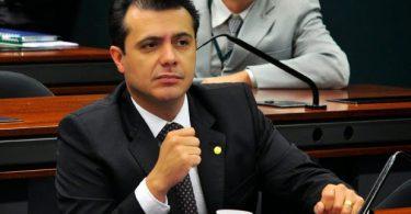 Deputado evangélico quer proibir sites pornográficos no Brasil
