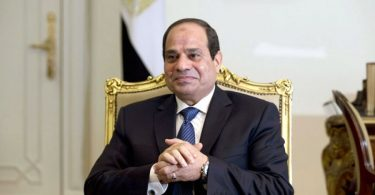 Presidente muçulmano promete reconstruir a maior igreja do Egito