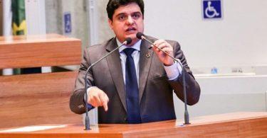 Deputado-pastor luta pela legalização da maconha medicinal