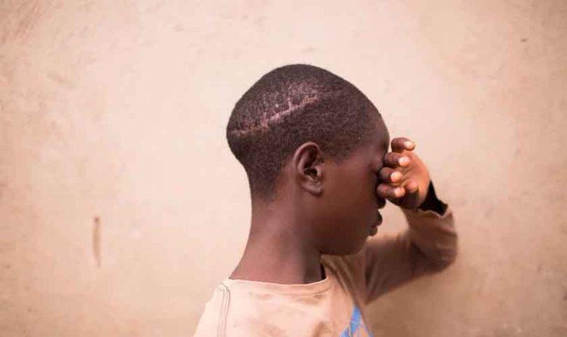 Pastor impede bruxos de matarem crianças em sacrifícios, na África
