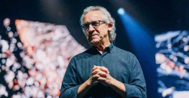 """""""A alegria motivou Jesus a suportar a cruz"""", diz pastor Bill Johnson"""