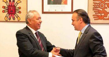 Lucena pede liberdade aos cristãos em encontro com embaixador da Bolívia