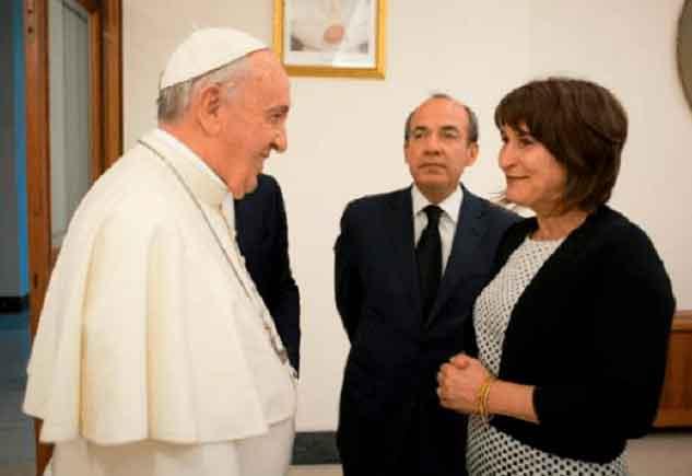 Papa honra ativista abortista com medalha pontifícia