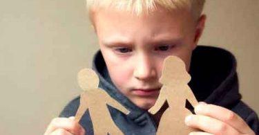 Atentado ideológico contra as crianças e suas famílias