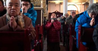 """Cristãos classificam acordo do Vaticano com comunismo na China como """"traição"""""""