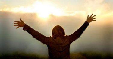Ser um vencedor em Deus não é difícil, mas permanecer vencedor exige um pouco mais.q